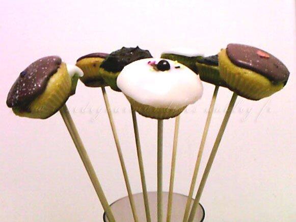 minicupcakes1.jpg
