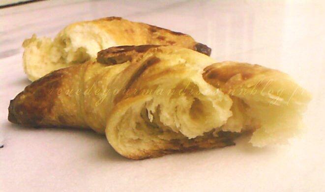 croissantcoupecopie.jpg